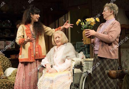 Caroline Catz as Susan,  Sandra Voe as Ida, Marjorie Yates as Mrs Jackson