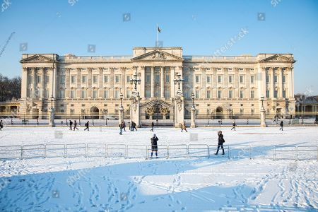 Buckingham Palace after heavy overnight snowfall in London as the 'Beast from the East brings freezing Siberian air to the UK.