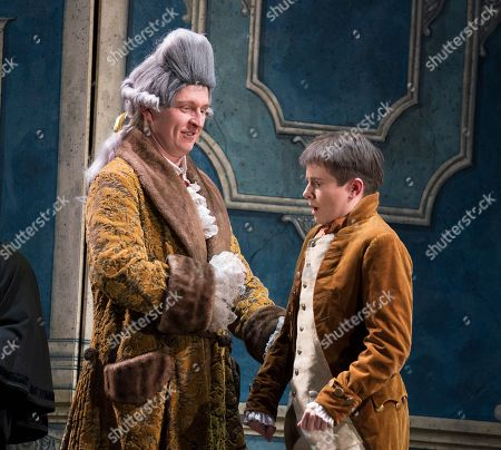 Dawid Kimberg as Count Almaviva, Katherine Aitken as Cherubino