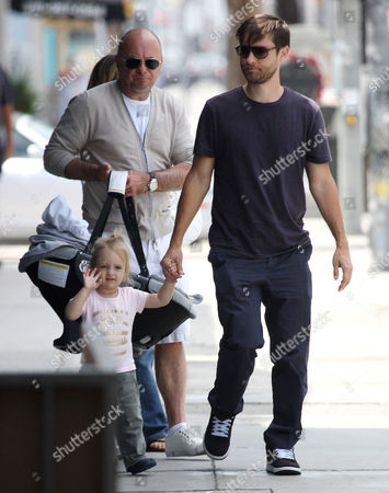 Editorial picture of Tobey Maguire and family have Father's Day lunch in Beverly Hills, Los Angeles, Britain - 21 Jun 2009