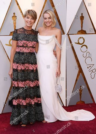 Stock Photo of Margot Robbie and Sarie Kessler