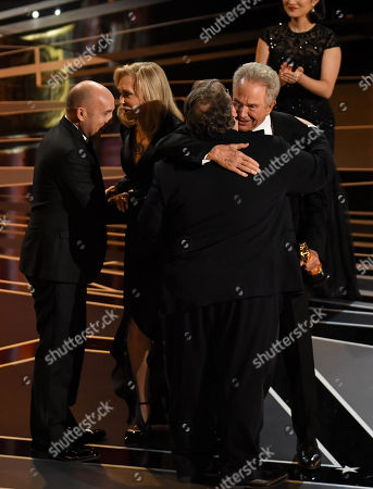 Guillermo Del Toro - Best Picture - 'The Shape Of Water', presented by Faye Dunaway and Warren Beatty