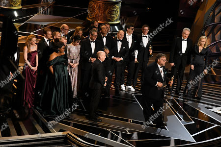 Guillermo Del Toro with cast and crew - Best Picture - 'The Shape Of Water', presented by Faye Dunaway and Warren Beatty