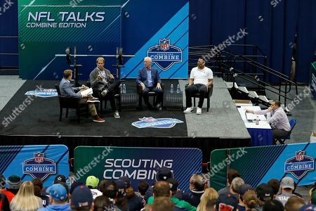 Scott Hanson, Greg Olsen, John Fox, Deshone Kizer. A general view is seen as host Scott Hanson, Carolina Panthers tight end Greg Olsen, former head coach John Fox and Cleveland Browns quarterback Deshone Kizer talk during the NFL Talks Combine Edition live on Sirius XM NFL Radio at the NFL football scouting combine, in Indianapolis