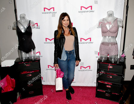 Chelsea Hobbs. Attends Day 2 of the Kari Feinstein Style Lounge at the Andaz Hotel on in West Hollywood, Calif