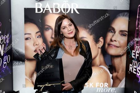 Stock Image of Chelsea Hobbs attends Day 2 of the Kari Feinstein Style Lounge at the Andaz Hotel on in West Hollywood, Calif