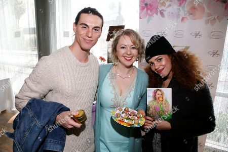 Alina Z, Mahogany Lox. Chef Alina Z, center, poses with Mahogany Lox and guest at Day 2 of the Kari Feinstein Style Lounge at the Andaz Hotel on in West Hollywood, Calif