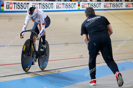 World champion Miriam Welte of Germany, left, competes during the women's 500 meters time trial final at the World Championships Track Cycling in Apeldoorn, eastern Netherlands, Netherlands