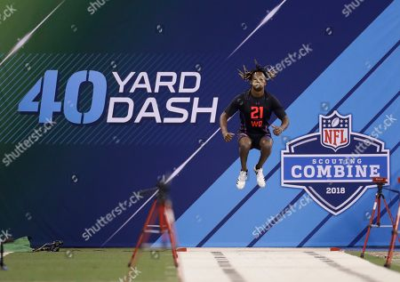 Washington State wide receiver Tj Martin runs the 40-yard dash during the NFL football scouting combine, in Indianapolis