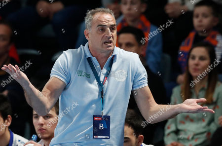 Rafael Guijosa Castillo, head coach of Ademar Leon reacts during the EHF Champions league Handball match between Ademar Leon  and Montpellier HB in Montpellier, Southern France, 04 March 2018.