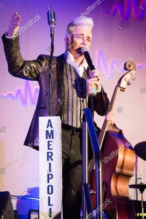 Host Dale Watson