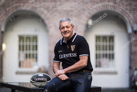 Pictured is Gavin Hastings (OBE), former Scottish rugby captain and British & Irish Lion, who has teamed up with Guinness to celebrate the communion and camaraderie between rugby fans. Ahead of IrelandÕs highly anticipated game against Scotland on Saturday, 10th March, Guinness has partnered with well-known Dublin pub Paddy CullenÕs who will change its name to a rugby favourite and the Scottish Rugby anthem, ÒFlower of ScotlandÓ on match day as a nod to the visiting supporters, creating a new Ôhome from homeÕ destination for a pre-match pint for all fans, whatever their jersey!. A special collaboration of Irish pipers and drummers ÔThe Guinness Rugby CollectiveÕ will play some of the best loved rugby anthems including ÔFlower of ScotlandÕ and ÔMolly MaloneÕ to build the atmosphere and unite all fans in song ahead of kick-off in the Aviva Stadium at 2.15pm. #GuinnessRugby #MadeofMore. Guinness is the official beer of the NatWest Six Nations and a proud supporter of Irish Rugby. Enjoy Guinness sensibly. Visit www.drinkaware.ie