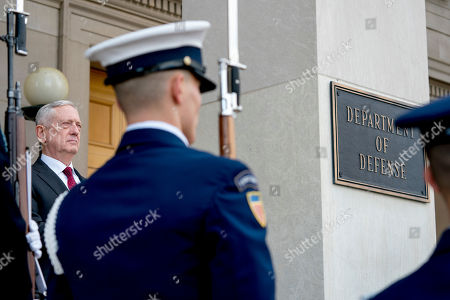 Defense Secretary Jim Mattis, left, hosts enhanced honor cordon for Estonian Defense Minister Juri Luik at the Pentagon in Washington