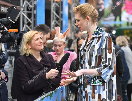 Elizabeth Debicki and fans