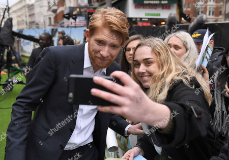 Domhnall Gleeson and fans