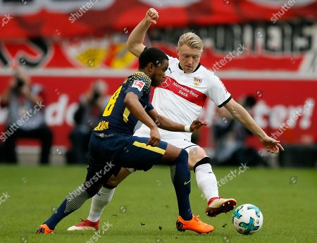 Stuttgart's Andreas Beck (R) in action against Leipzig's Lookman (L) during the German Bundesliga soccer match between VfB Stuttgart and RB Leipzig in Stuttgart, Germany, 11 March 2018.
