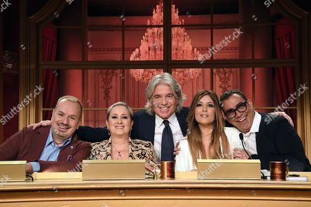 The jury: Fabio Canino, Carolyn Smith, Ivan Zazzaroni, Selvaggia Lucarelli, Guillermo Mariotto