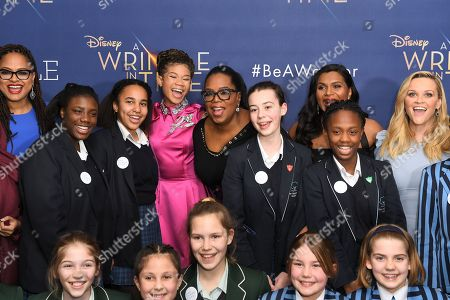 Ava DuVernay, Storm Reid, Oprah Winfrey, Mindy Kaling and Reese Witherspoon and schoolchildren