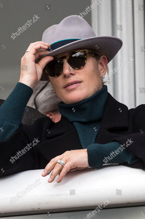 Zara Tindall watches the second race at the 2018 Cheltenham Festival.