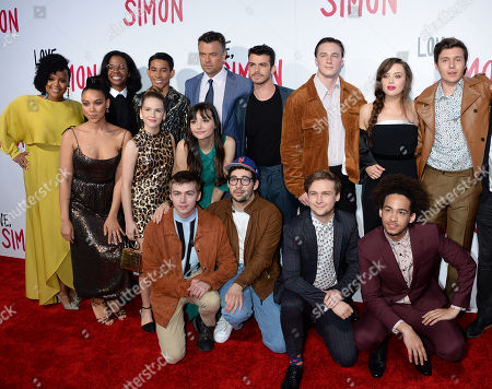 Katherine Langford and Nick Robinson with Cast