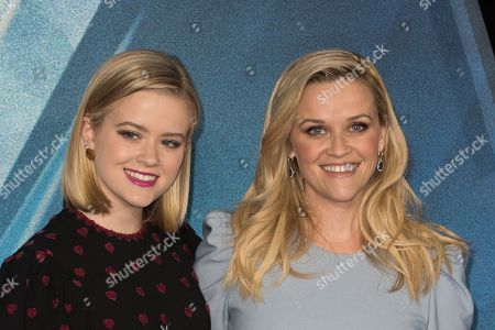 Ava Elizabeth Phillippe and Reese Witherspoon