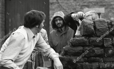 Ep 0309 - 0320 Monday 29th March - Tuesday 11th May 1976  Behind the scenes location filming with Jack Sugden, as played by Andrew Burt.