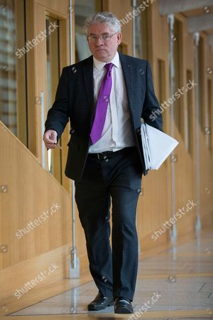 Stock Image of Kenneth Gibson makes his way to the Debating Chamber.