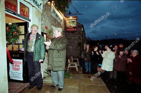Stock Image of Ep 2454 Wednesday 9th December 1998  The villagers gather for the grand re-opening of The Woolpack, but Seth's speech goes slightly awry when he suggests it would have been nicer had Terry been around - and that he still pines for the days of Amos Brearley and Henry Wilks - With Seth Armstrong, as played by Stan Richards ; Alan Turner, As played by Richard Thorp ; Jack Sugden, as played by Clive Hornby ; Tricia Stokes, as played by Sheree Murphy ; Kelly Windsor, as played by Adele Silva ; Vic Windsor, as played by Alun Lewis ; Mandy Dingle, as played by Lisa Riley ; Ned Glover, as played by Johnny Leeze ; Sarah Sugden, as played by Alyson Spiro ; Betty Eagleton, as played by Paula Tilbrook.