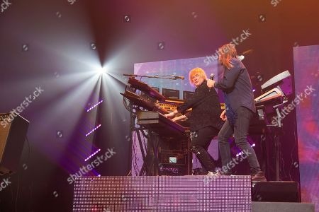YES - Geoff Downes and Jon Davison