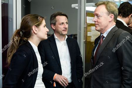 Former editor-in-chief of the BILD magazine, Tanit Koch (L),  deputy editor-in-chief of the BILD magazine Nikolaus Blome (C) and the vice president of the German Parliament of the Social Democratic Party (SPD), Thomas Oppermann, talk during the Hauptstadtparty event of the news magazine 'Der Spiegel' in Berlin, Germany, 19 March 2018. The news magazine 'Der Spiegel' invited on 19 March 2018 for it's Haupstadtparty event in Berlin.