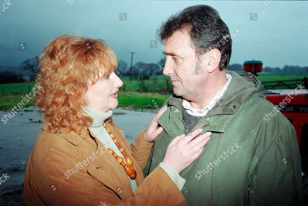 Ep 2475 Thursday 21st January 1999 As Seth enjoys a parting gift from Kim, with Ned, old flame Dawn informs Ned she will be leaving soon, saddening him, but they decide they should enjoy their remaining time together - With Dawn Wilkins, as played by Rosy Clayton; Ned Glover, as played by Johnny Leeze.