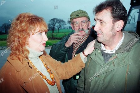 Ep 2475 Thursday 21st January 1999 As Seth enjoys a parting gift from Kim, with Ned, old flame Dawn informs Ned she will be leaving soon, saddening him, but they decide they should enjoy their remaining time together - With Dawn Wilkins, as played by Rosy Clayton; Seth Armstrong, as played by Stan Richards ; Ned Glover, as played by Johnny Leeze.