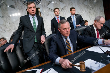 Mark Warner, Richard Burr, Jim Risch. Senate Intelligence Chairman Richard Burr, R-N.C., center, accompanied by Committee Vice Chairman Mark Warner, D-Va., left, and Sen. Jim Risch, R-Idaho, right, gavel in for a second panel following testimony from Homeland Security Secretary Kirstjen Nielsen and former Homeland Security Secretary Jeh Johnson at a Senate Intelligence Committee hearing on election security on Capitol Hill in Washington