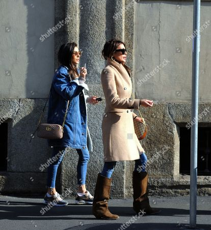 Cristina Buccino and her sister