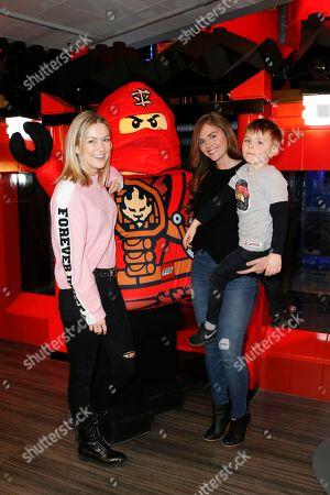 Linda Hesse, Lisa Steiner and Sohn Lynn