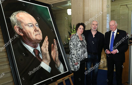 The Speaker of the Northern Ireland Assembly, Robin Newton MLA, today unveiled a portrait of the former deputy First Minister, Martin McGuinness. The Speaker was joined by Mr McGuinness widow Bernie and Belfast artist Tony Bell.