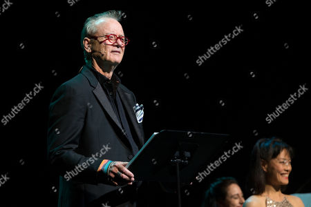 Bill Murray and violinist Mira Wang perform onstage