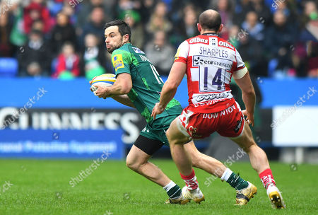 James Marshall of London Irish in action against Charlie Sharples of Gloucester Rugby during the Aviva Premiership Rugby match between London Irish and Gloucester Rugby at Madejski Stadium on March 24th 2018 in Reading, Berkshire, England. (Photo by Gareth Davies/PPAUK)