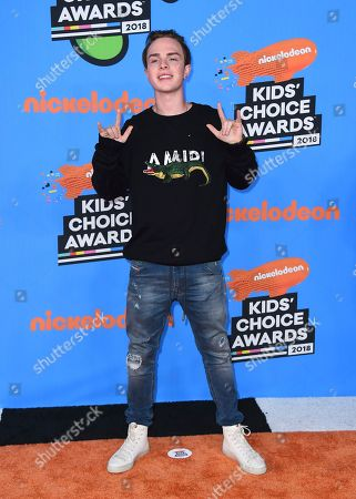 Mike Singer arrives at the Kids' Choice Awards at The Forum, in Inglewood, Calif