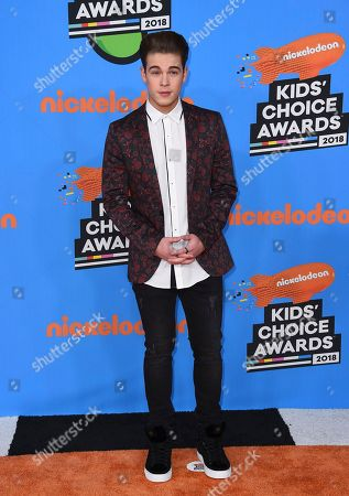 Ricardo Hurtado arrives at the Kids' Choice Awards at The Forum, in Inglewood, Calif