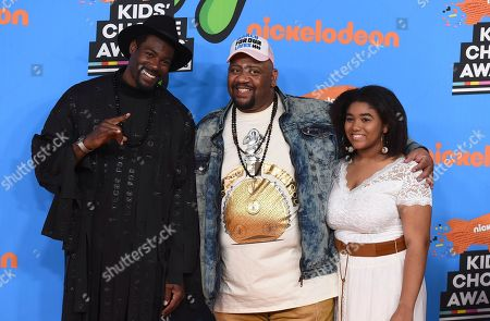 Stock Photo of Sheldon Bailey, Bubba Ganter, Scierra Ganter. Sheldon Bailey, from left, Bubba Ganter, and Scierra Ganter arrive at the Kids' Choice Awards at The Forum, in Inglewood, Calif