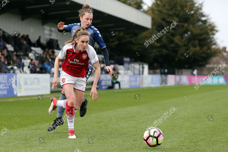 Heather O'Reilly of Arsenal Women and Nicole Pepper of Charlton Women during Arsenal Women vs Charlton Athletic Women, SSE Women's FA Cup Football at Meadow Park on 25th March 2018