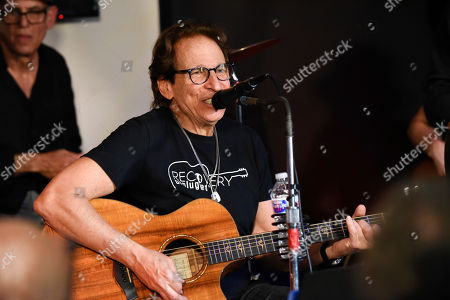 Richie Supa performs with The Lords of 52nd Street at Recovery Unplugged Treatment Center during Music Therapy for clients, in Fort Lauderdale, Fla