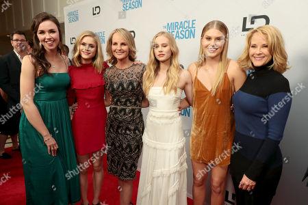 Lillian Doucet-Roche, Erin Moriarty, Helen Hunt, Danika Yarosh, Natalie Sharp, Rebecca Staab