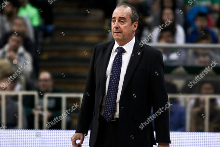 Head Coach of Valencia Txus Vidorreta in action with Rafa Martinez (L) of Valecncia during the  Euroleague match between Panathinaikos and Valencia in Athens, Greece, 30 March 2018.