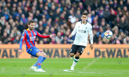 Yohan Cabaye of Crystal Palace passes