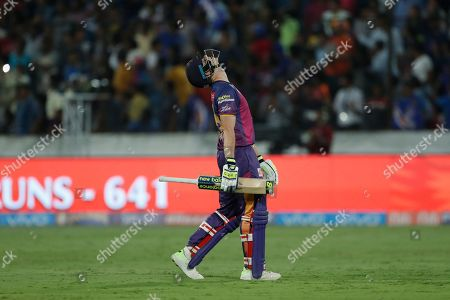 Rising Pune Supergiant's captain Steven Smith gestures after his dismissal by Mumbai Indians' Mitchell Johnson during their Indian Premier League (IPL) cricket final match in Hyderabad, India, . Mumbai Indian won by one runs