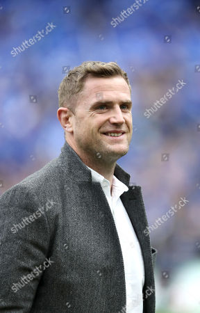 Leinster vs Saracens. Jamie Heaslip is thanked by the crowd before the game