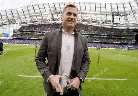 Leinster vs Saracens. Ex Leinster and Irish Rugby Jamie Heaslip is thanked by the crowd before the game
