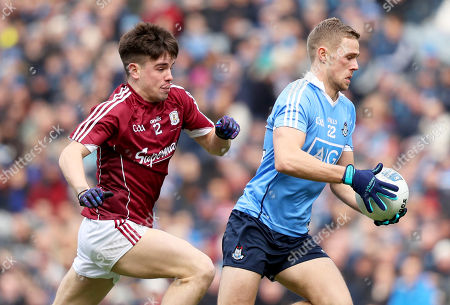 Dublin vs Galway. Dublin's Emmet O Cangaile with Sean Kelly of Galway